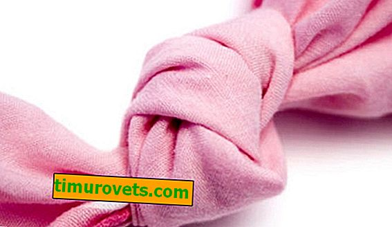 How to tie a knot on a towel?