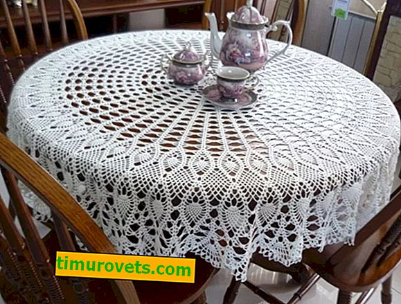 Crocheted tablecloths from Japanese magazines