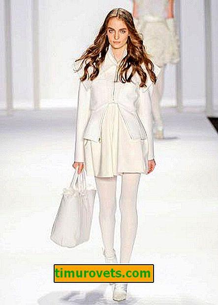 Cómo elegir medias para un vestido de punto blanco