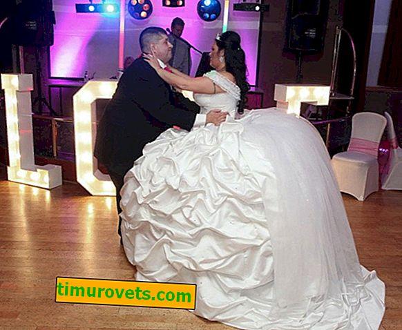 Gelin, 63 kilogram ağırlığındaki elbiseyle evlendi.