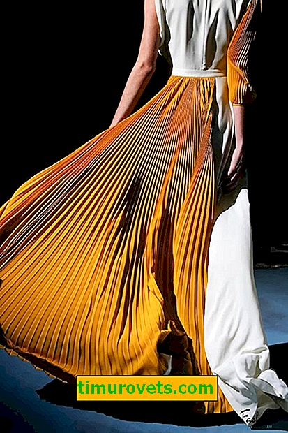 Pleated is a fashionable element of the image of 2019