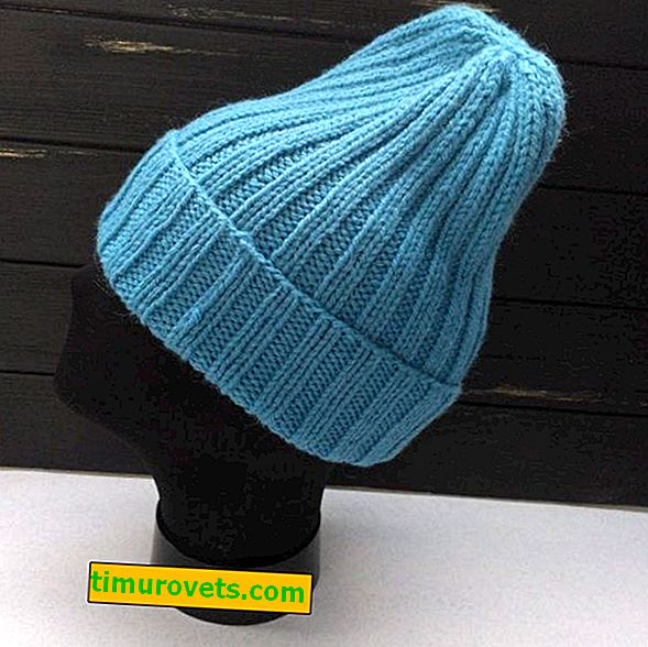 Knitting hat with knitting needles