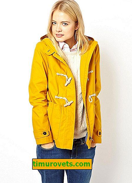 Cómo usar una chaqueta amarilla