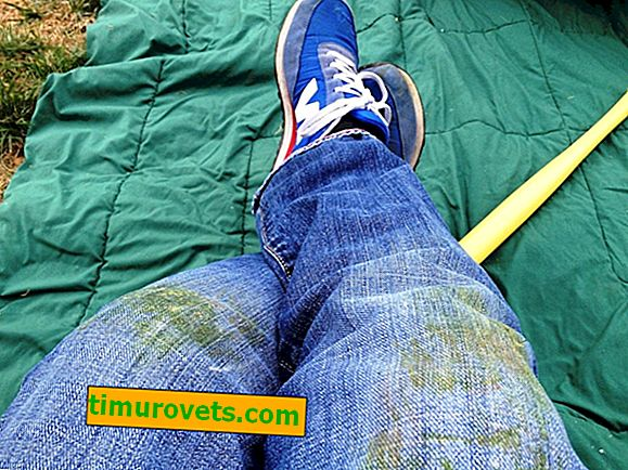 How to wash grass with jeans